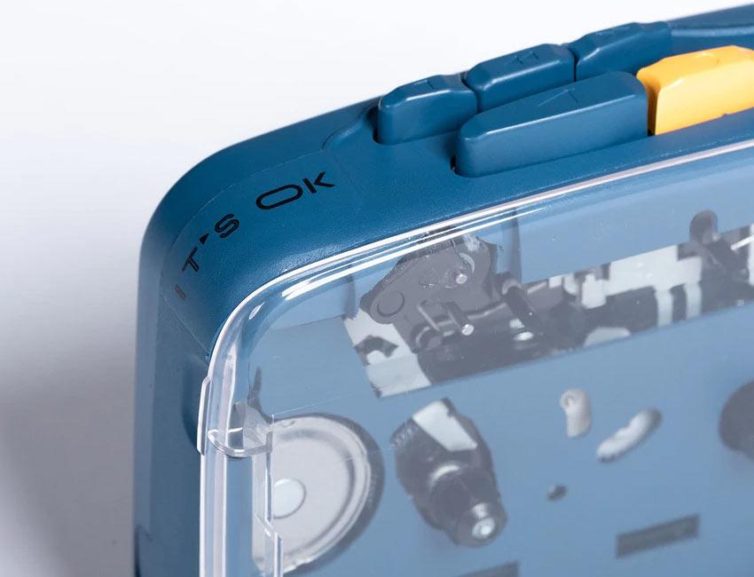Компания NINM Lab из Гонконга продает свой новый кассетный плеер IT'S OK по цене 80 евро