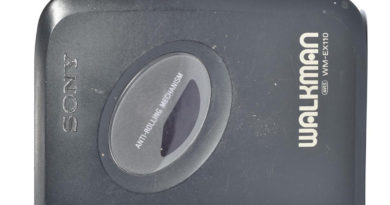 Плеер аудиокассет Sony Walkman WM-EX110