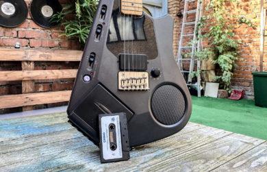 Японская гитара Casio с кассетным плеером 80-х