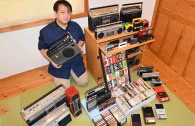Японский энтузиаст кассетных магнитофонов делится своей любовью к ностальгическим форматам аудио.